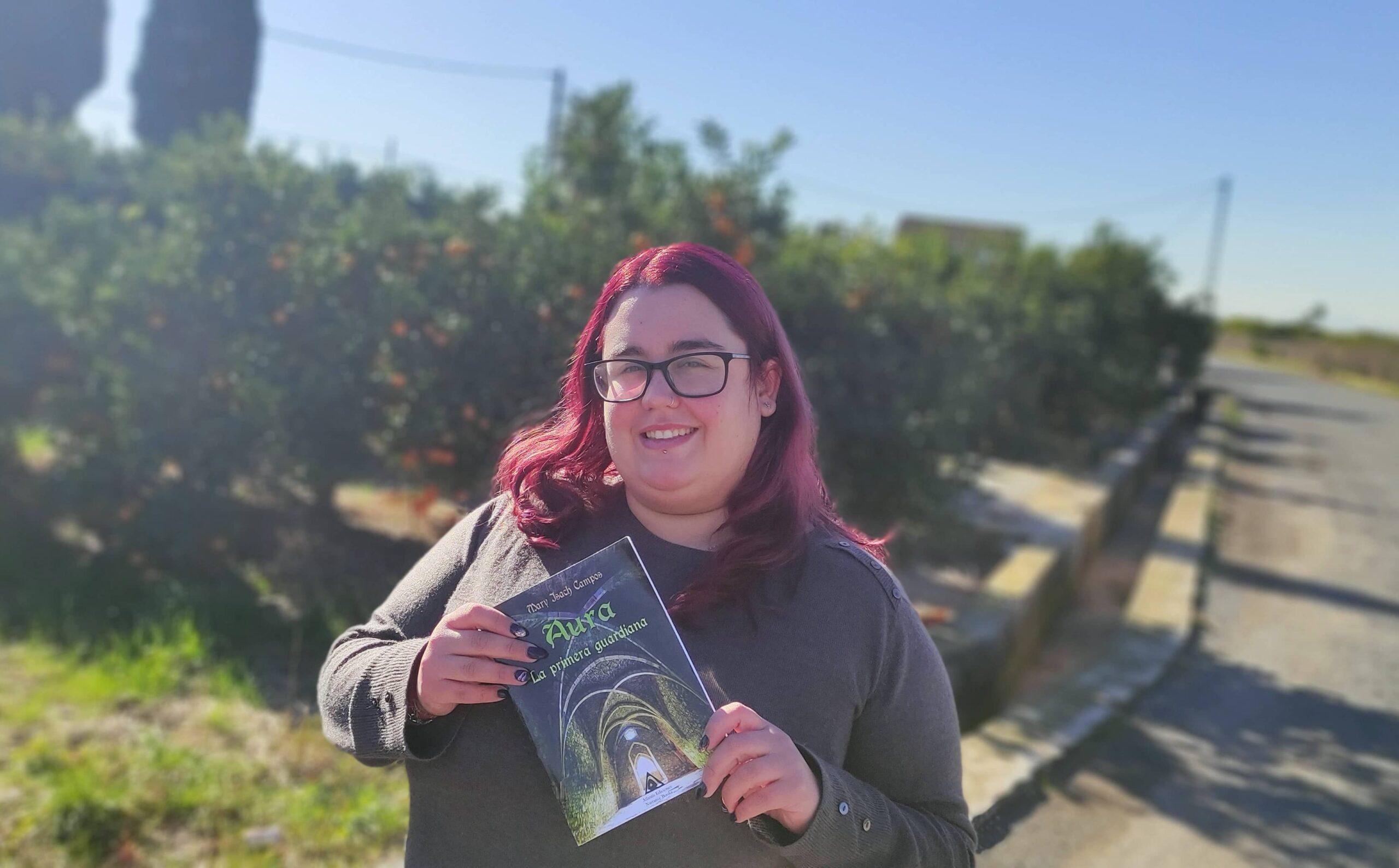 Conoce a Mary Isach, una autora capaz de mezclar amor, rock, fantasía y mitología nórdica en su primera novela