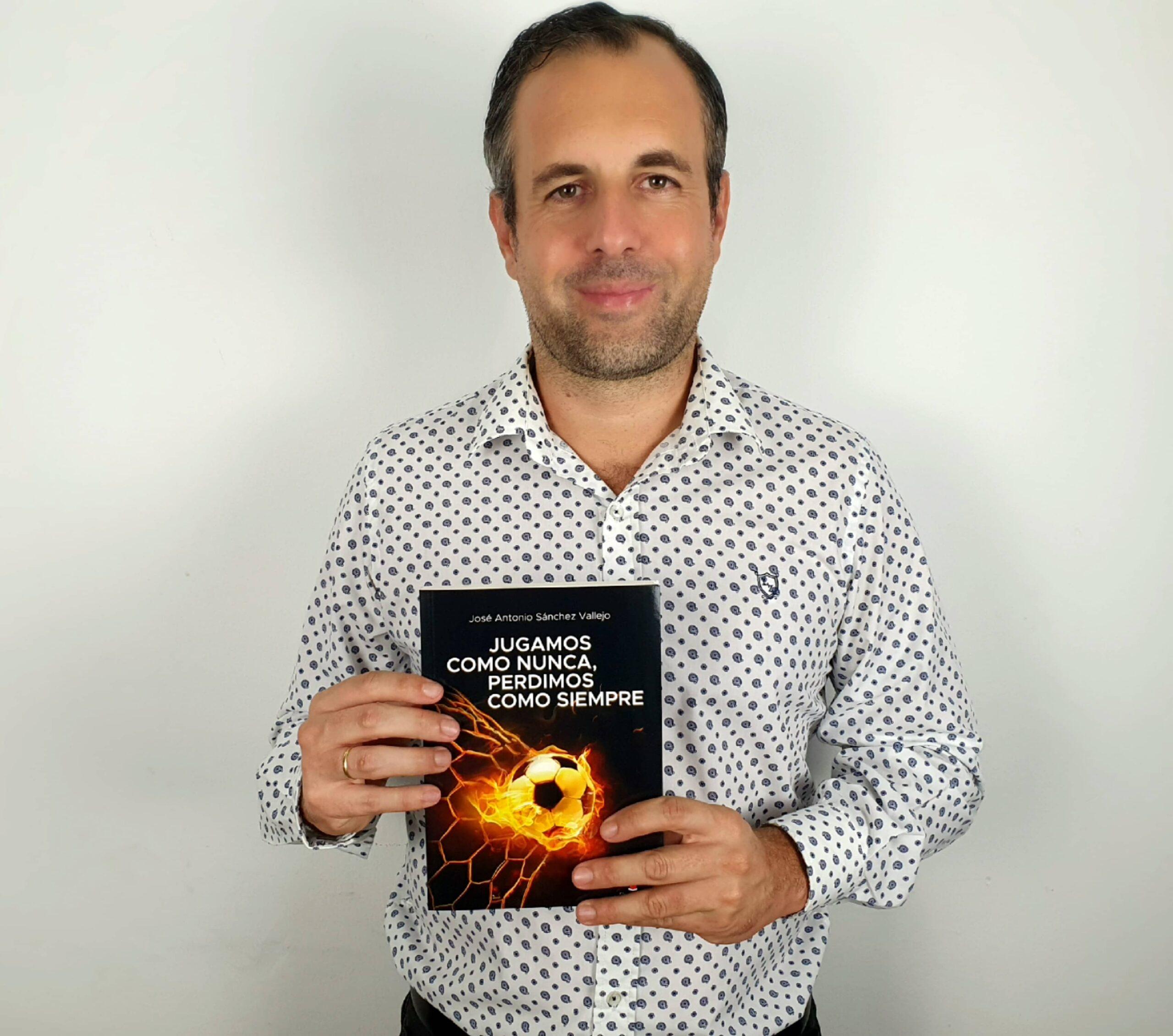 """Entrevista a José Antonio Sánchez Vallejo, autor de """"Jugamos como nunca, perdimos como siempre"""""""