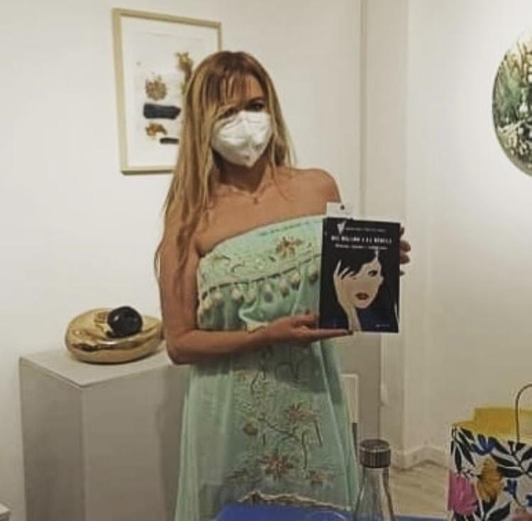 Foto de Rocío con libro