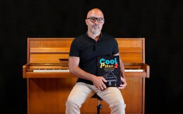 """Conoce a Ismael Perera Hernández, autor de """"Cool Piano 2"""""""