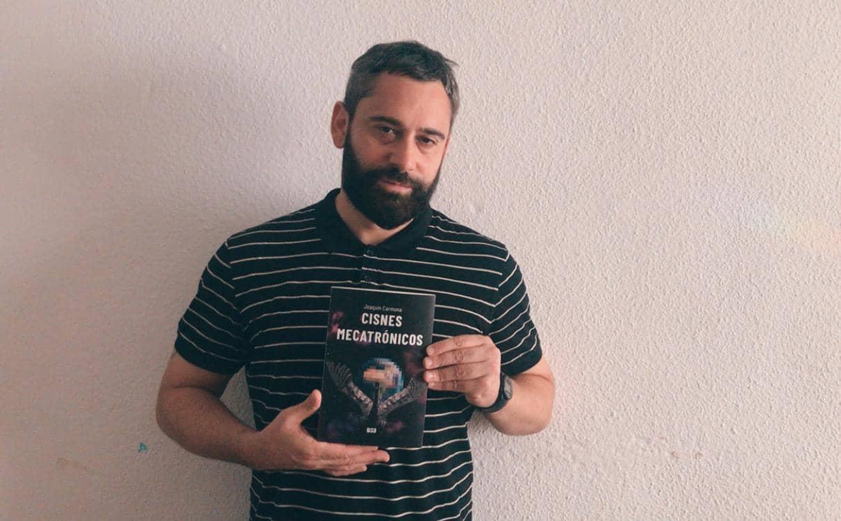 Charlamos con Joaquín Carmona, autor de «Cisnes Mecatrónicos»
