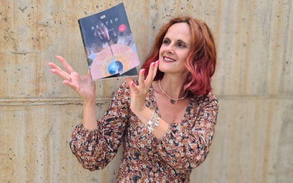 Rocío Juárez, la escritora con alma cineasta autora de Septem, una novela con sabor a cine