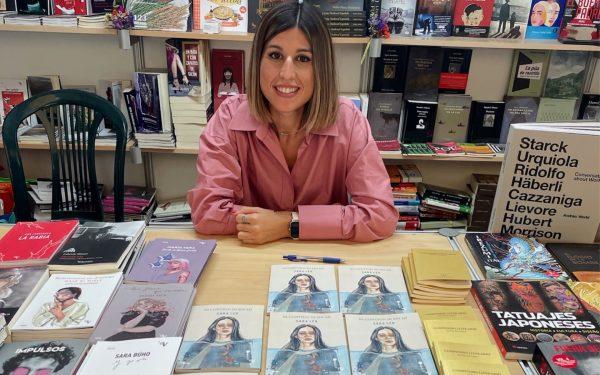 Sara Leo triunfa en la Feria del libro de Valencia