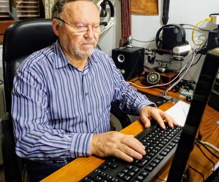 Vicente Castro i Alvaro Escribiendo