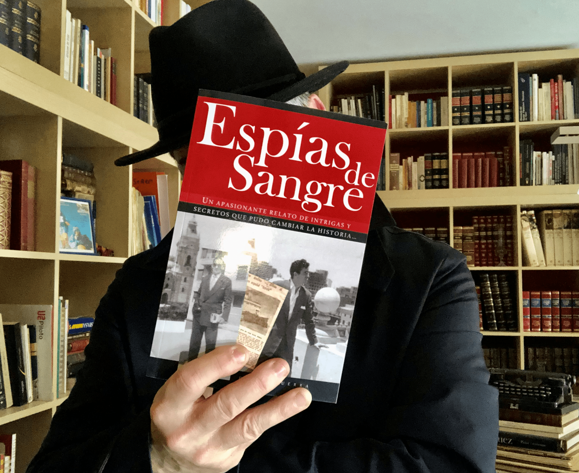 "Conoce a Ysaac M. de Txiquerra, autor de la novela ""Espías de Sangre"""