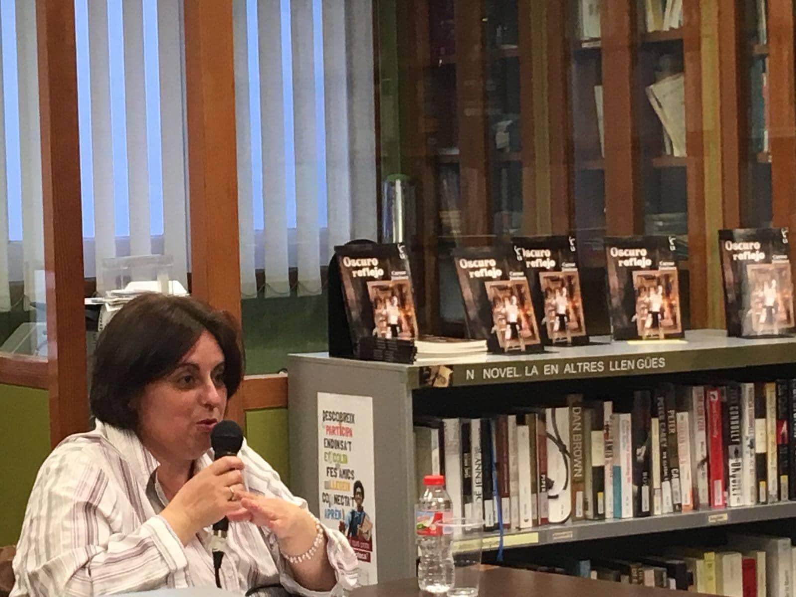 """Conoce a Carme Jiménez autora de """"Oscuro reflejo"""""""
