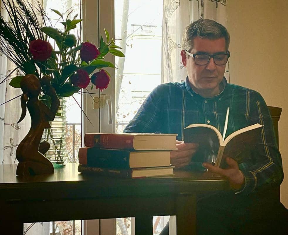 Entrevista a Jesús Delgado, autor de la novela «Los pendientes de la Reina»