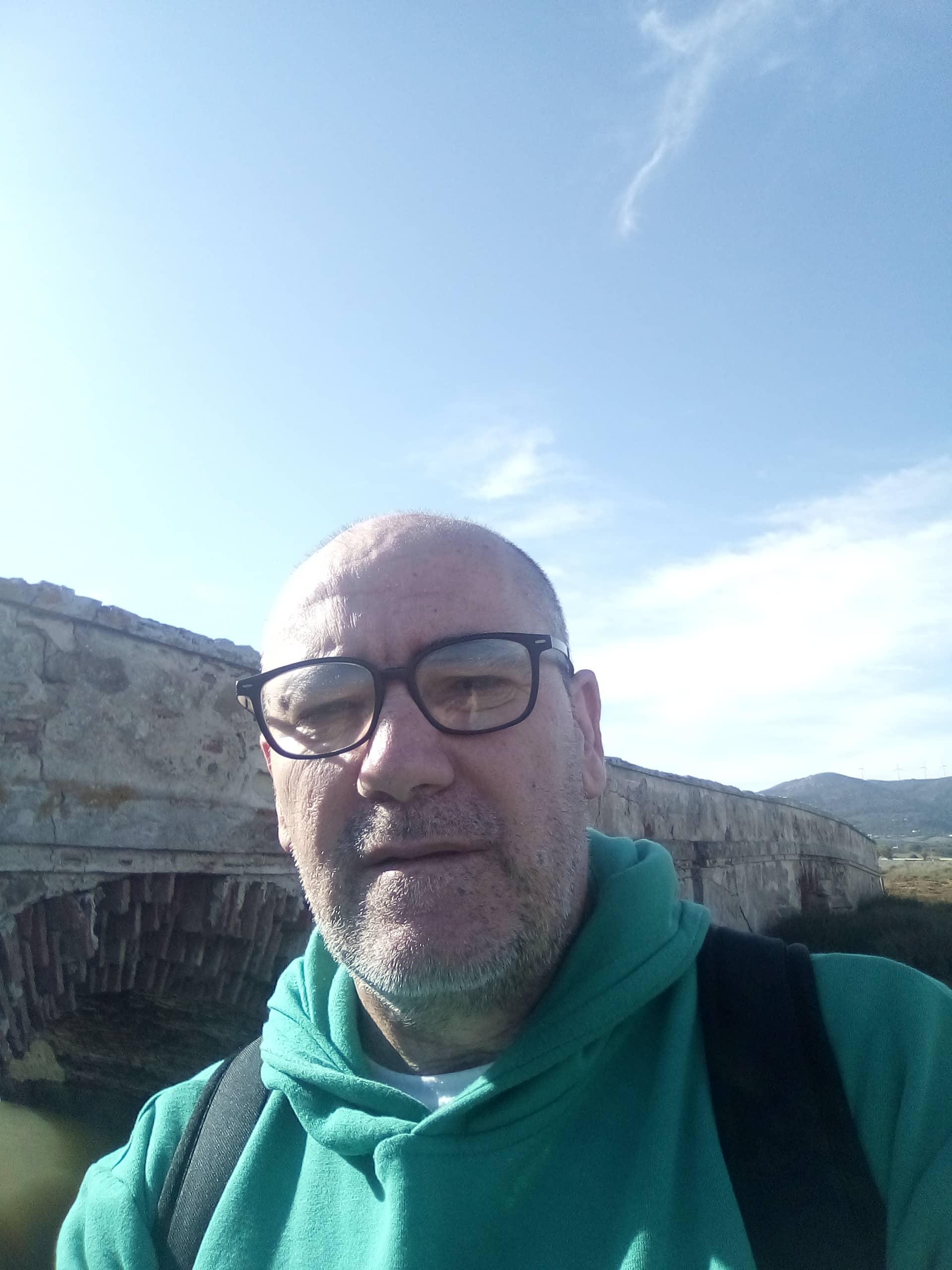 Conoce a José María Moreno Pelayo, autor de «El jardinero príncipe»
