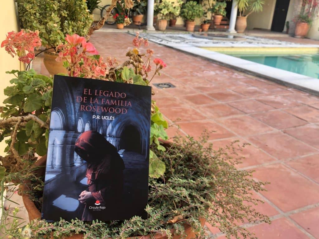 Conoce a Palmira Ruiz Uclés, autora de «El legado de la Familia Rosewood»