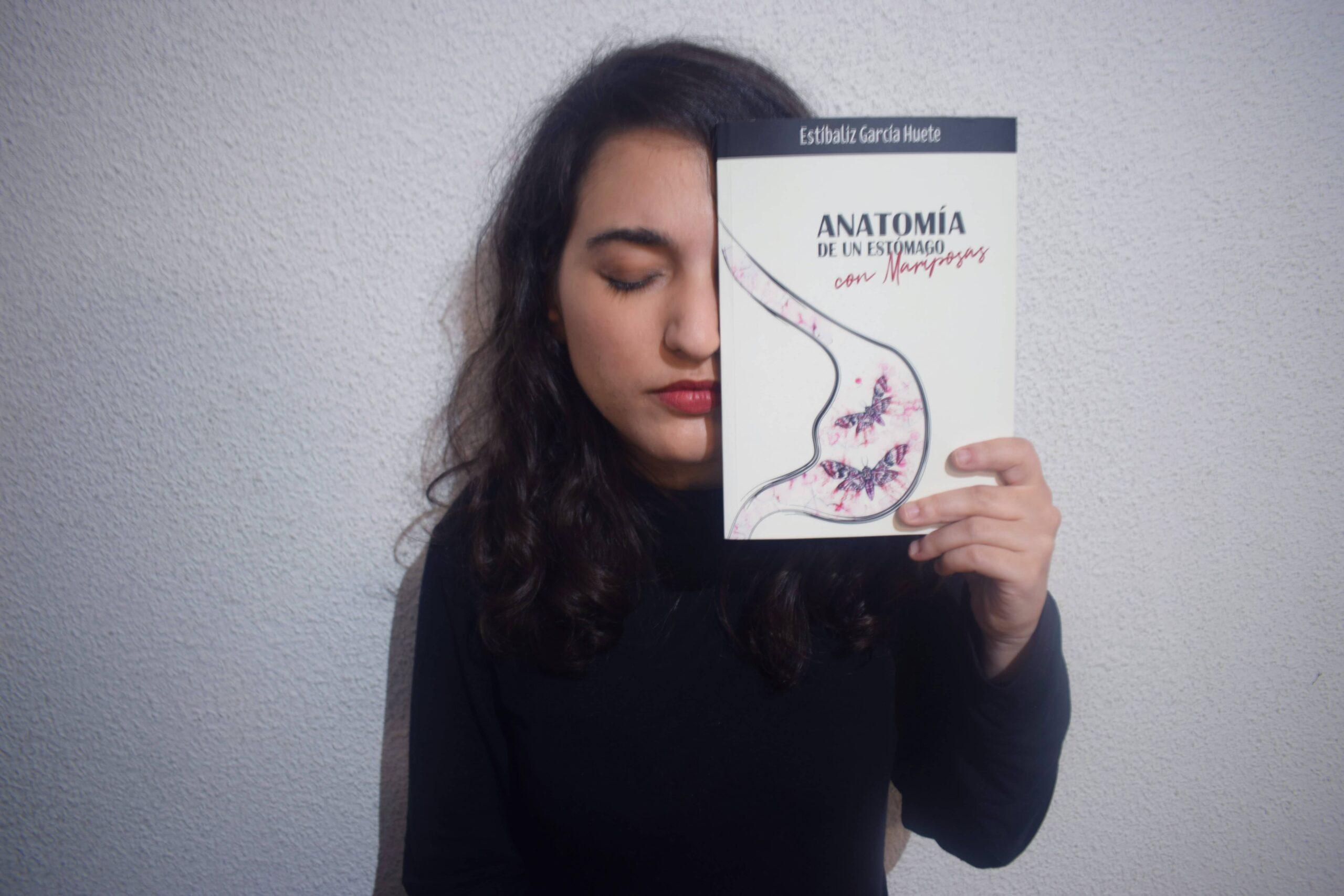 """Conoce a Estíbaliz García Huete, autora de """"Anatomía de un estómago con mariposas"""""""