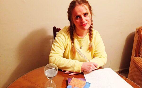"Conoce a Rosana Martínez autora de ""Aprendiendo a Ser"""
