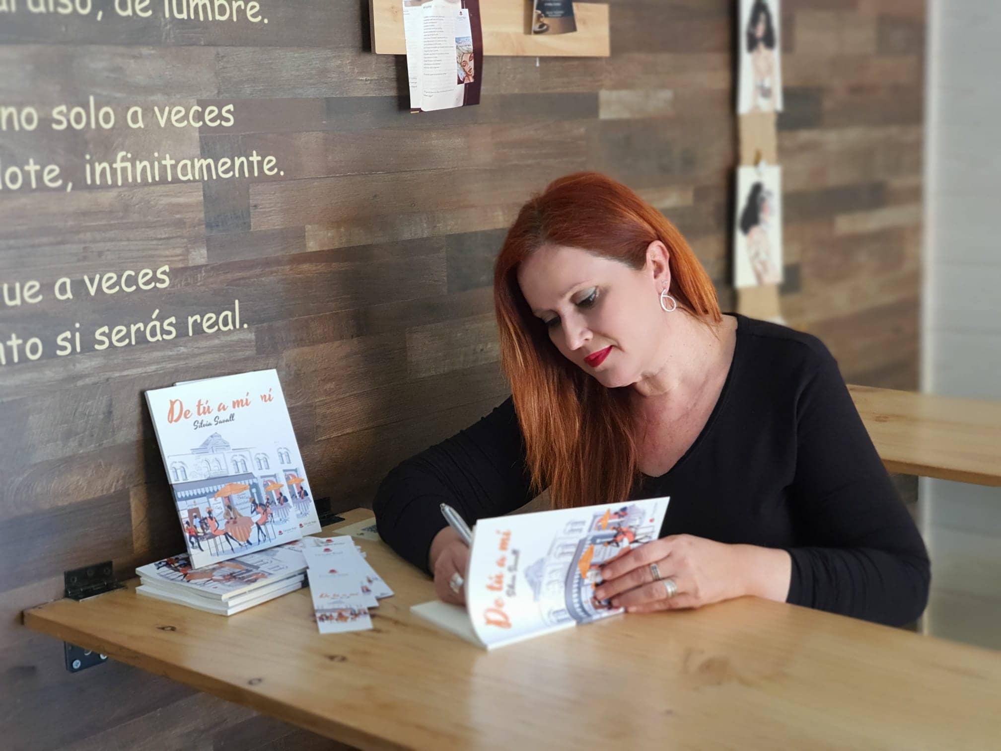 Conoce a Silvia Savall, autora del poemario «De tú a mí»
