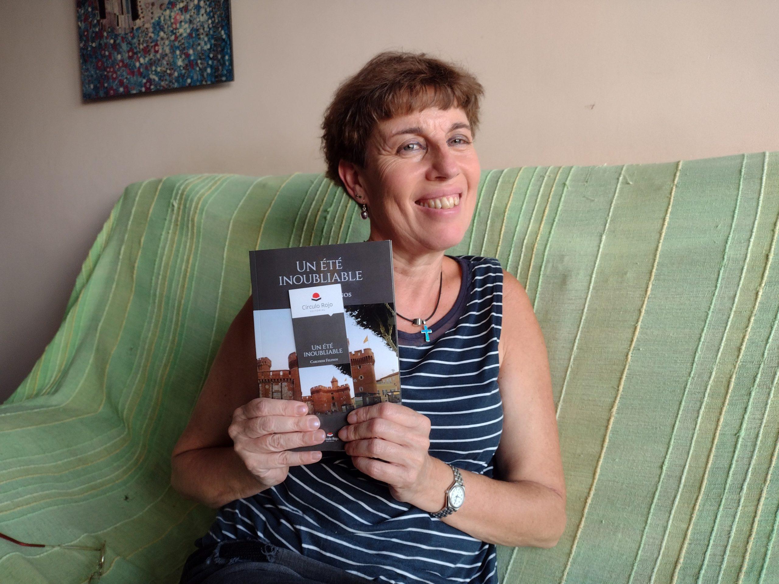 Conoce a Carlykiss felinos, autora de Un Été Inoubliable